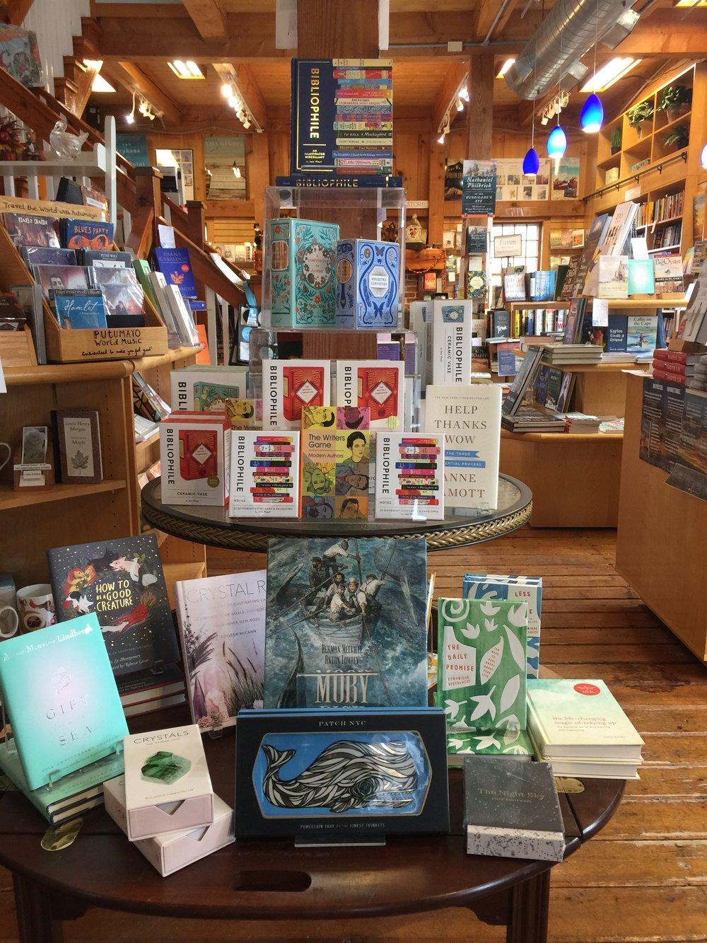 bookstorephotobibliophile.JPG