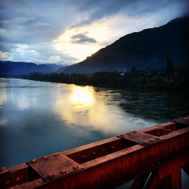 Sunrise in Puerto Aysén from the baby Golden Gate 🌉🌁