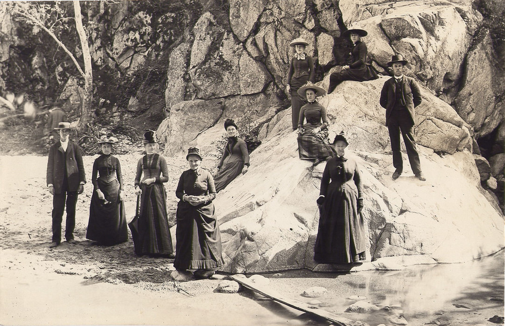 This hiking apparel is so 1890. Photo credit: South Pasadena Public Library