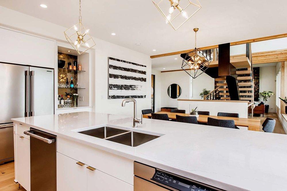 3-Kitchen 2.jpg