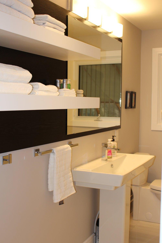 Copeland Main bathroom.jpg