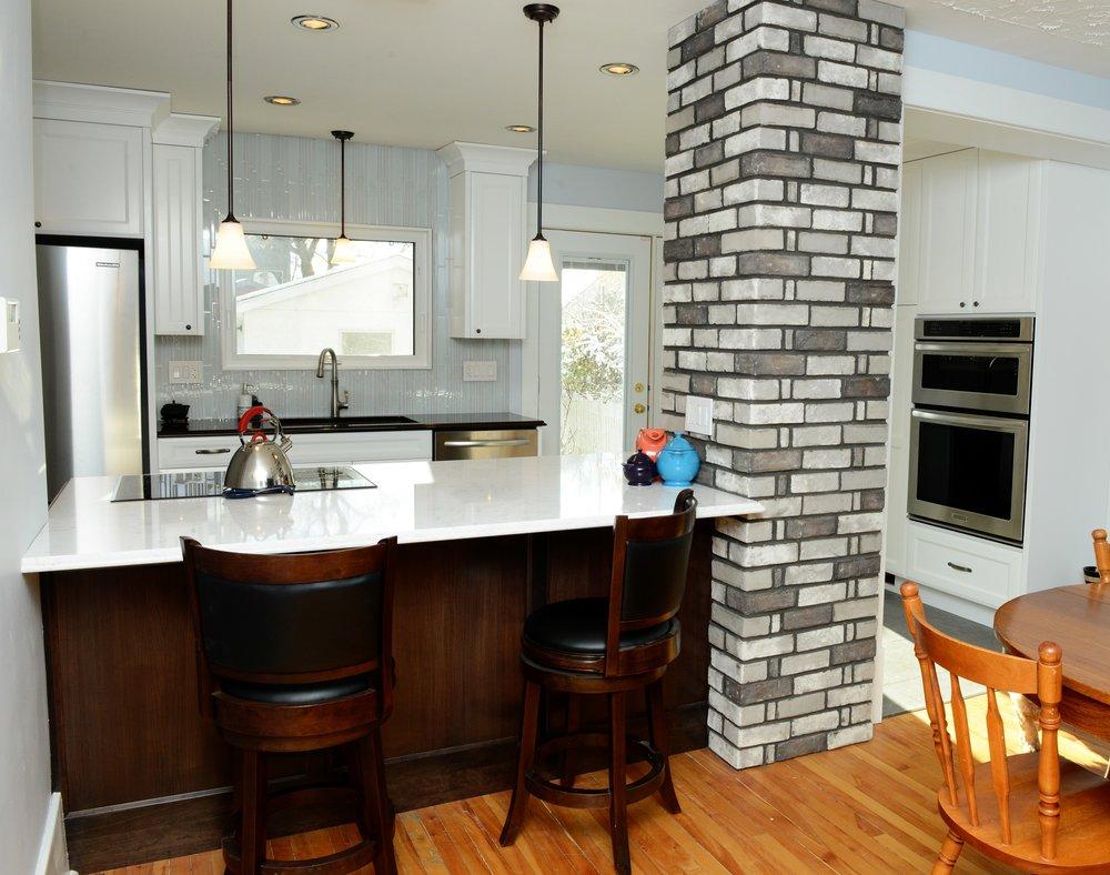 Kitchen Island 2.jpg