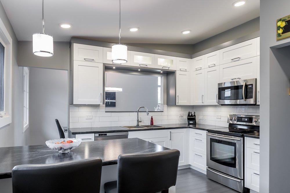 915 glasglow kitchen.jpg