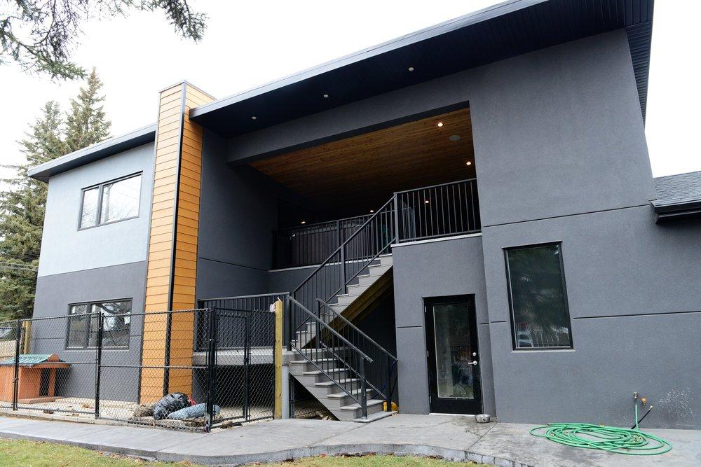 2430 Clarence garage and upper deck.jpg