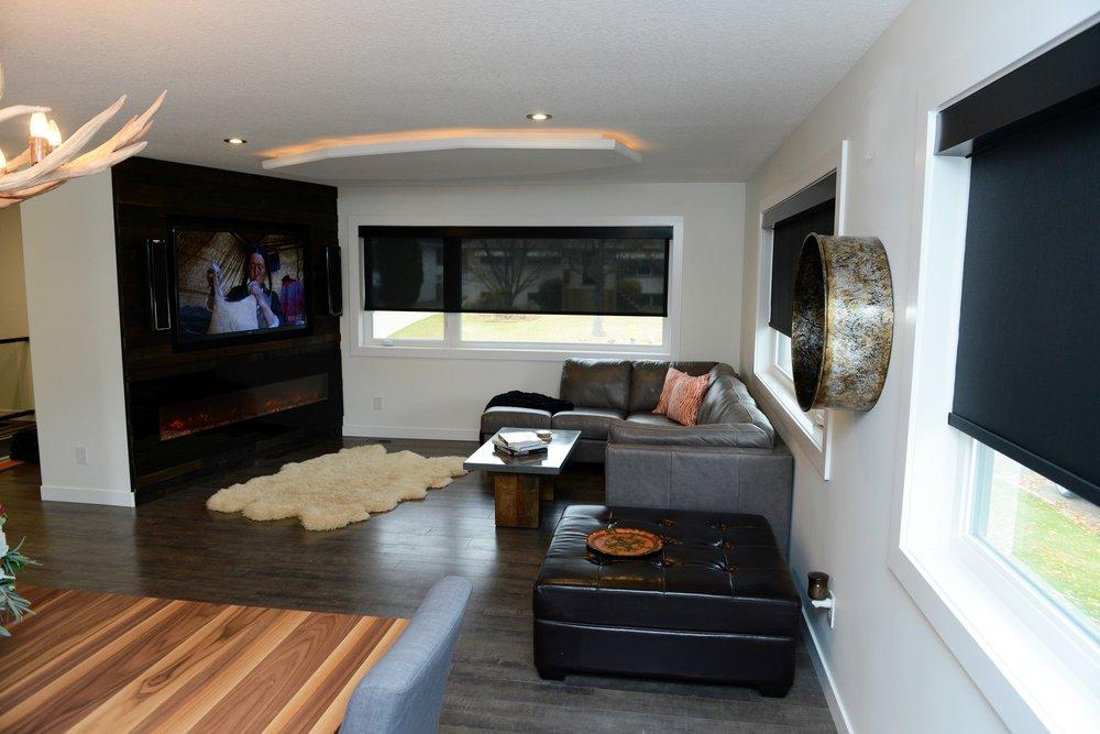 2430 dining living room.jpg