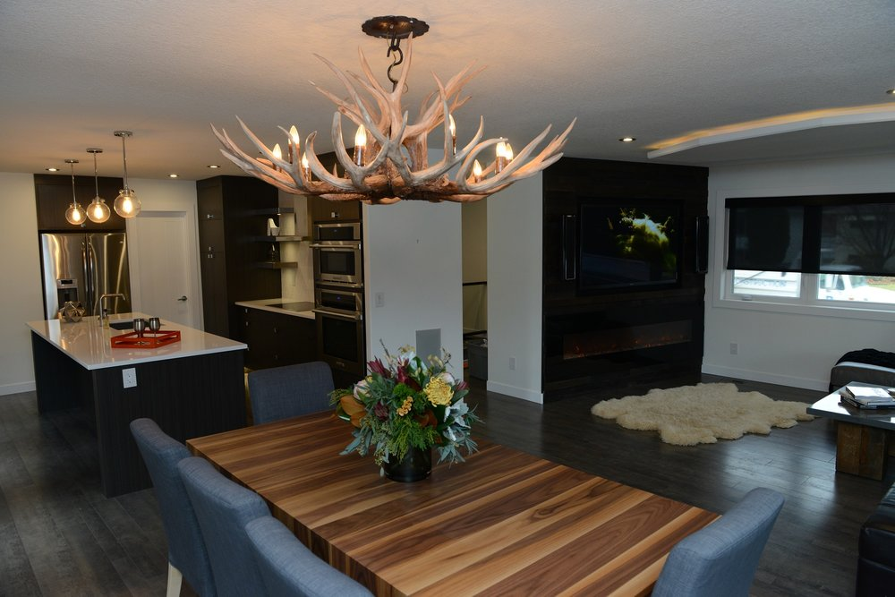 2430 dining room - kitchen.jpg