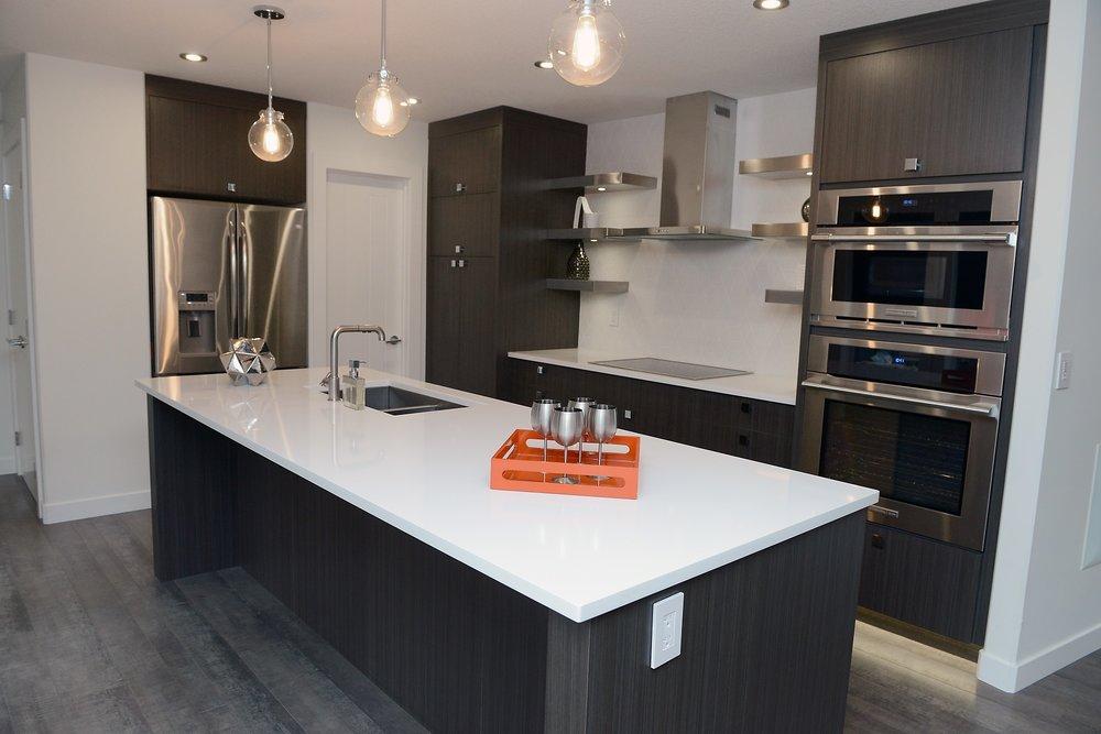 2430 kitchen 1.jpg