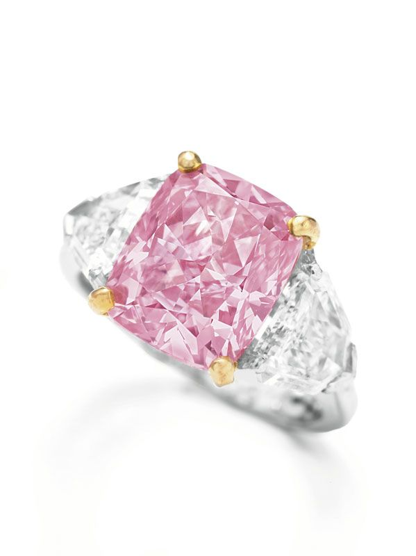 5.00-carat cushion cut fancy vivid pink diamond VS1 (GIA)