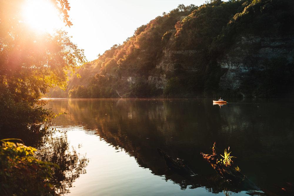 Le long de l'Ardèche en début d'automne