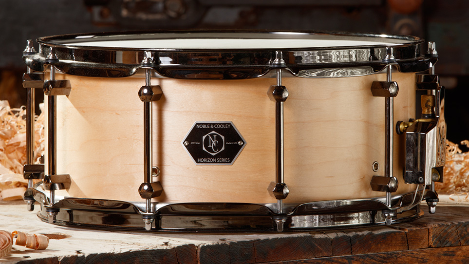 Horizon 6 x 14 Natural Oil With Black Chrome Hardware