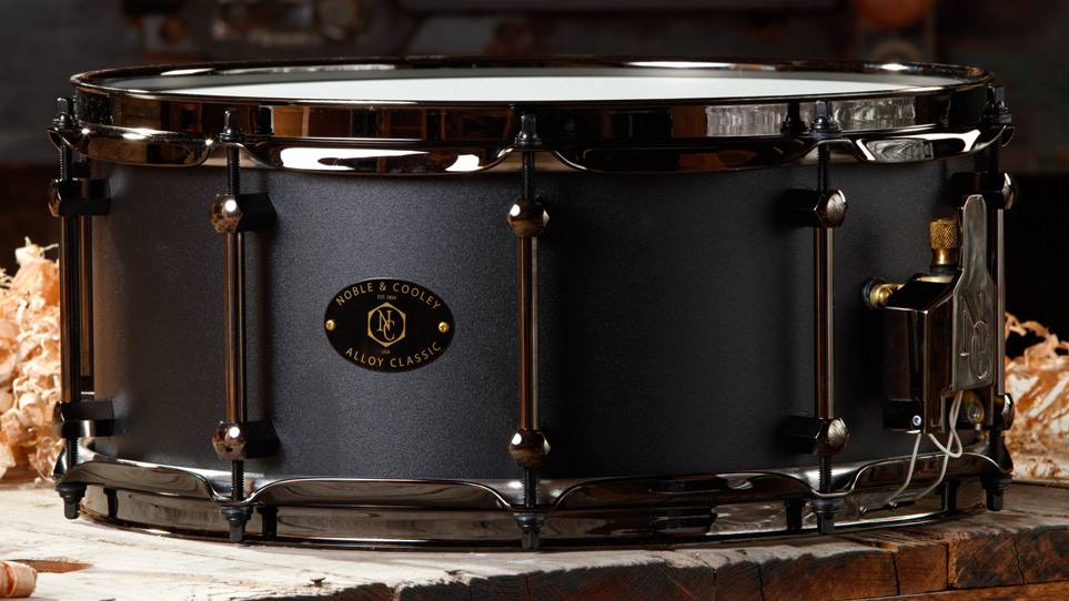 Alloy 6 x 14 Black With Black Hardware