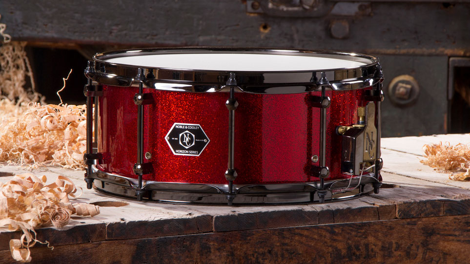 Horizon 6 x 14 Red Sparkle With Black Chrome Hardware