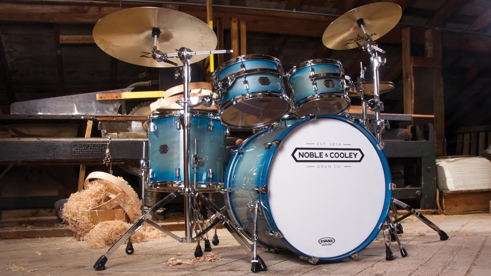 "Horizon Translucent Blue with CD Maple Kick and 15"" Floor Tom"