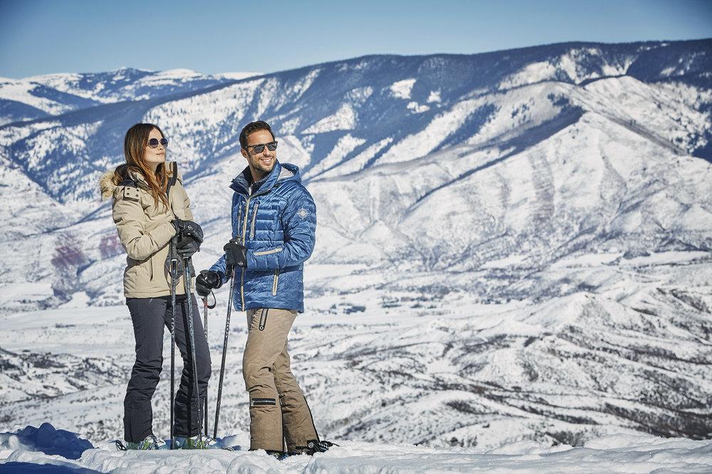Couple skiing 3_Gallery.jpg