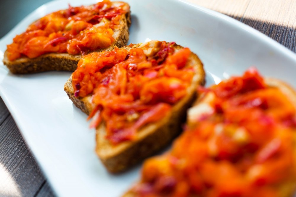 delicious and easy tomato toast