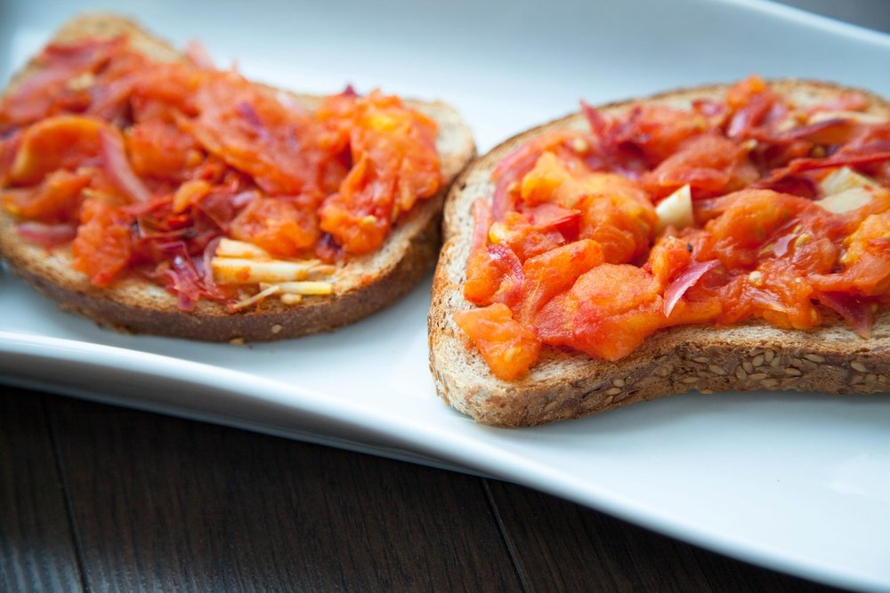 3 ingredient grilled tomato toast