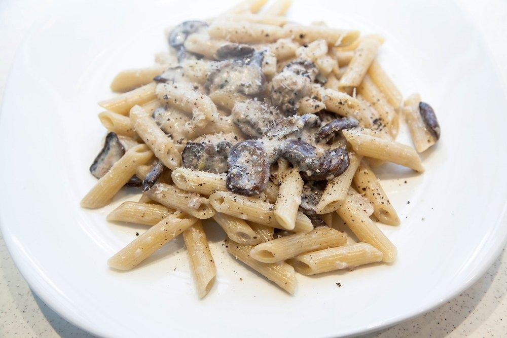 skinny creamy mushroom pasta