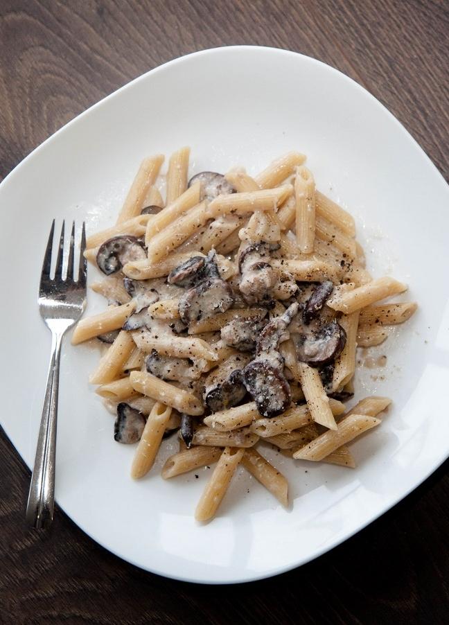 lite creamy mushroom pasta