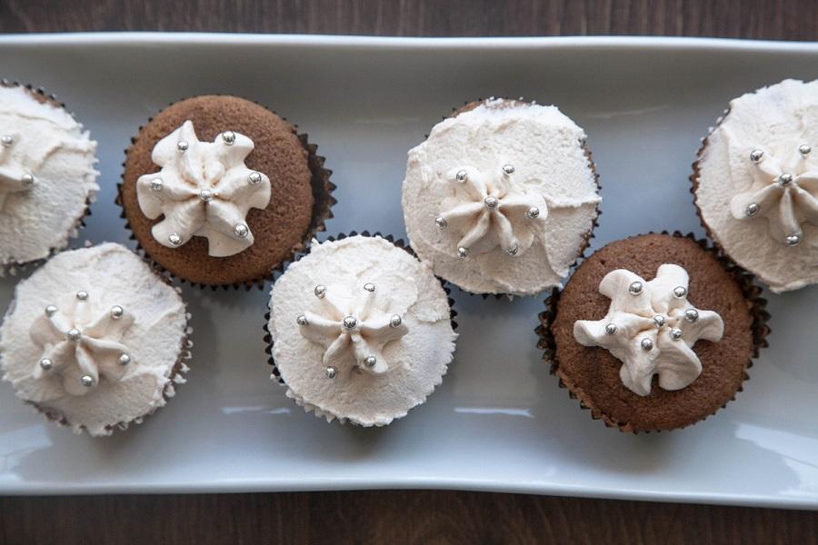 chai tea latte cupcakes - the perfect autumn dessert