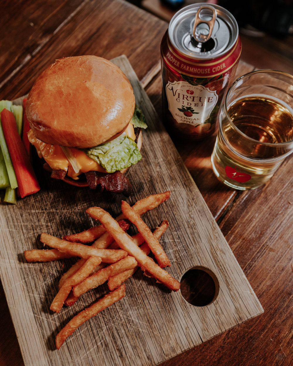 burger mi apple cooks-with-pairs-with-11.jpg