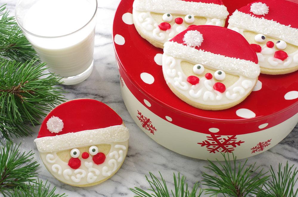 Santa_Face_Cookies_and_Milk.JPG