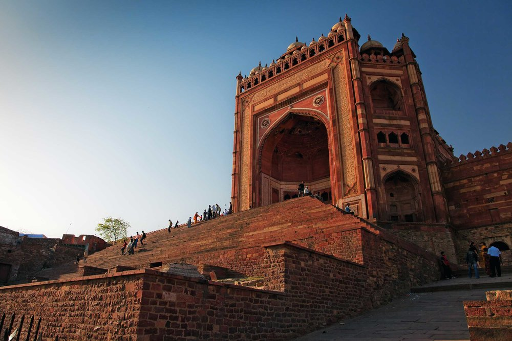 Buland Darwaza was built by the Mughal emperor Akbar in 1601 to commemorate his victory over Gujarat