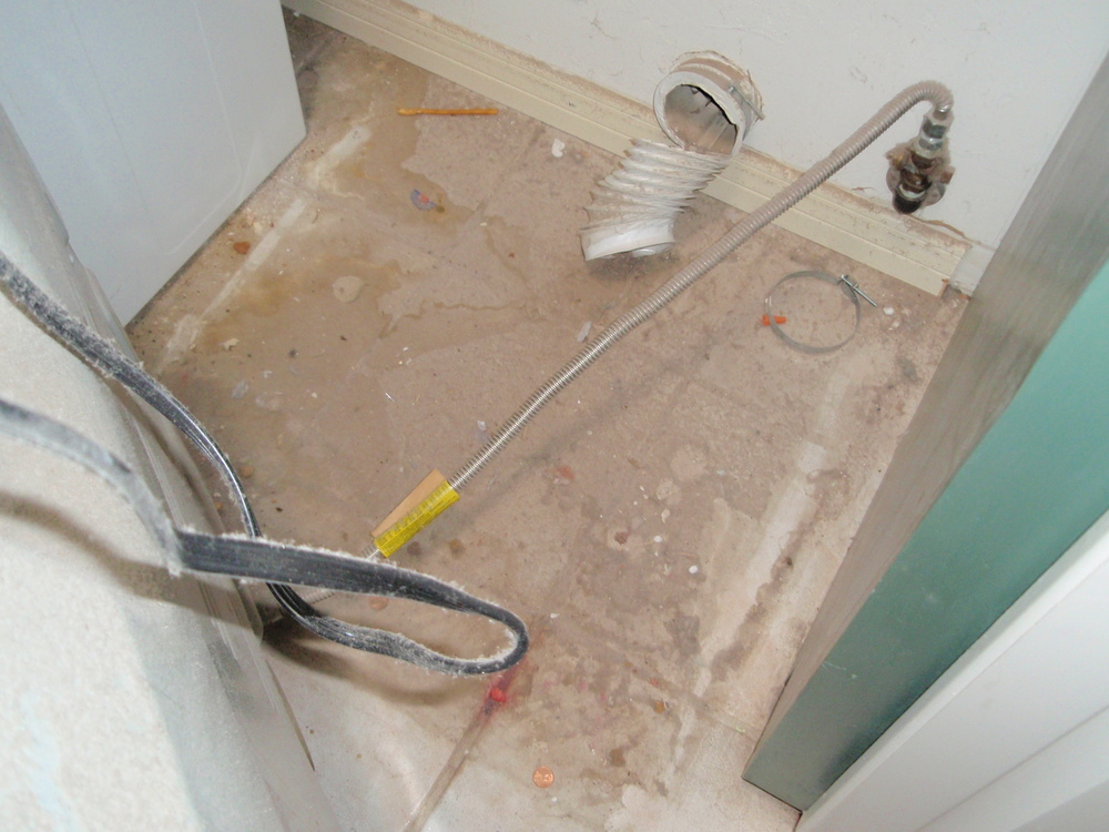 DryerVentGomezJob2012 004.jpg