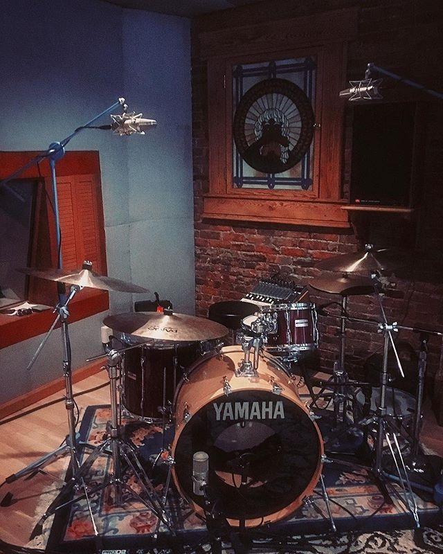 Drum sheshions.