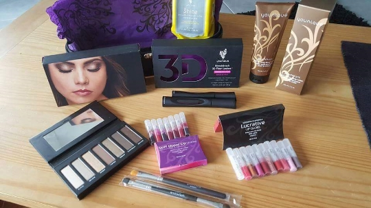 Great makeup & samples for you to help you get started!