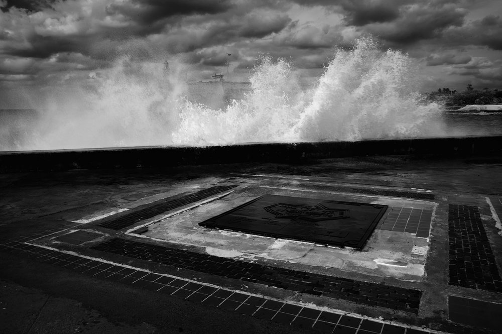 from the series: Mares Adyacentes / Adjecent seas black and white photography 2009