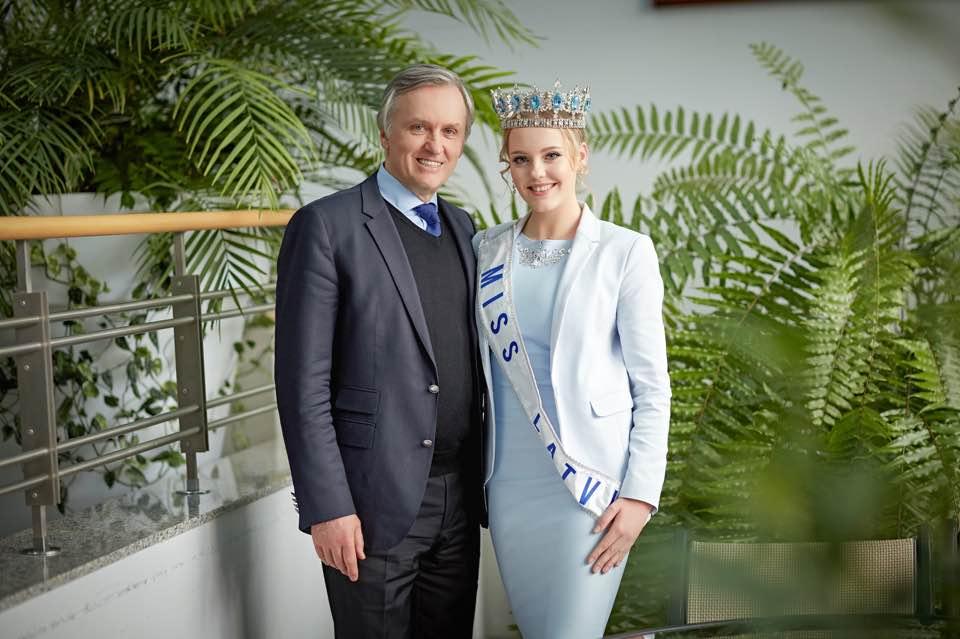 Мис Латвия 2016 Линда Кинца с Александром Смагиным Генеральнымдиректором компании «Венский Бал Москва», Председателем правления SIA BALTIC BALL