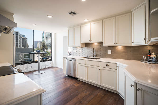10590 Wilshire Blvd Unit 1003-small-006-12-Kitchen-666x444-72dpi.jpg