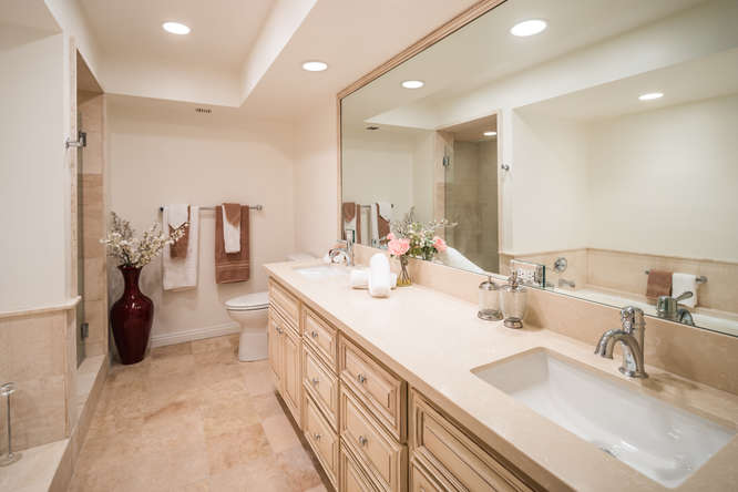 10590 Wilshire Blvd Unit 1003-small-015-6-Master Bath-666x444-72dpi.jpg