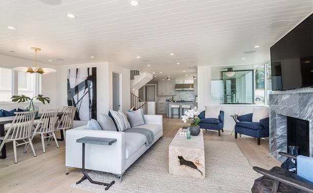 3330 The Strand - Living Room.jpg