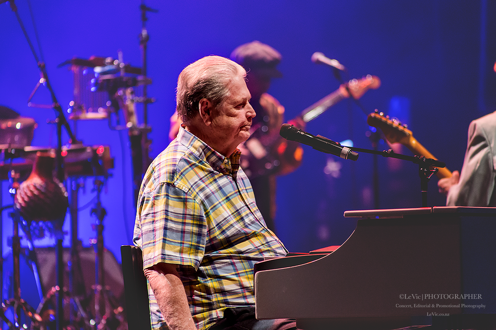 CLICK THE IMAGE ABOVE FOR LIVE PHOTOS FROM brian wilson'S AUCKLAND SHOW BY Leah Victoria