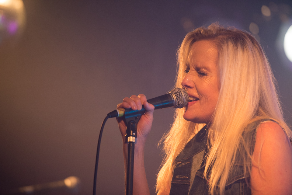 CLICK THE IMAGE ABOVE FOR LIVE PHOTOS FROM CHERIE CURRIE'S AUCKLAND SHOW BY BY    MEGAN MOSS