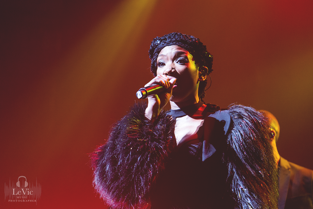 CLICK THE IMAGE ABOVE FOR LIVE PHOTOS FROM BRANDY'S AUCKLAND SHOW BY LEAH VICTORIA
