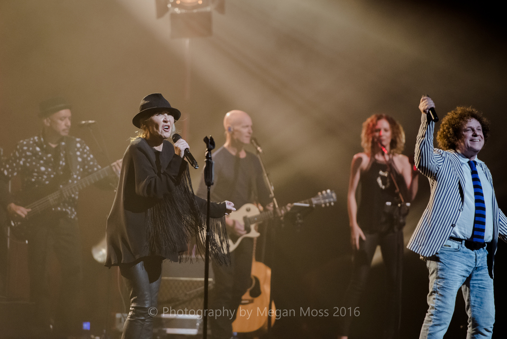 CLICK THE IMAGE ABOVE FOR LIVE PHOTOS FROM LULU & LEO SAYER'S AUCKLAND SHOW BY MEGAN MOSS
