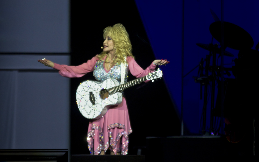 Dolly Parton performing at the Vector Arena IN 2014 - Photo by Dani Bolton