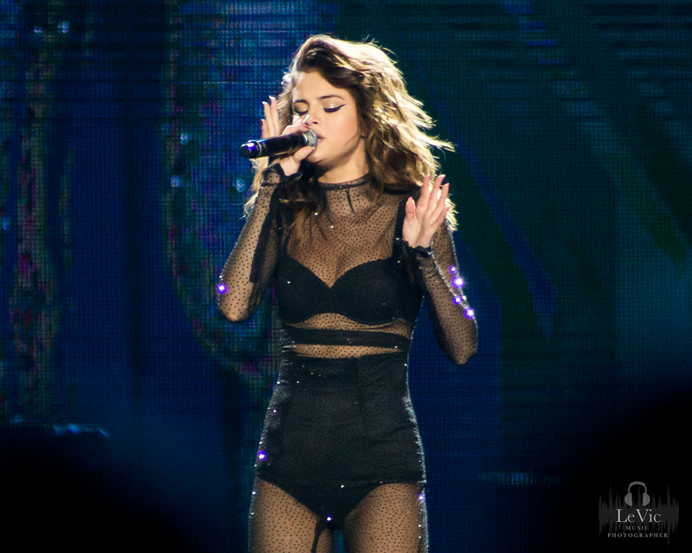 CLICK THE IMAGE ABOVE FOR LIVE PHOTOS FROM SELENA GOMEZ' AUCKLAND SHOW   BY  LEAH VICTORIA