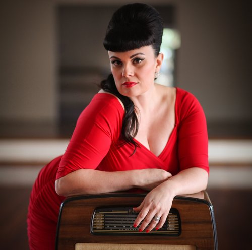 Tami Neilson will open for Robbie Wlliams in Dunedin & Auckland - Photo by Mrs Jones