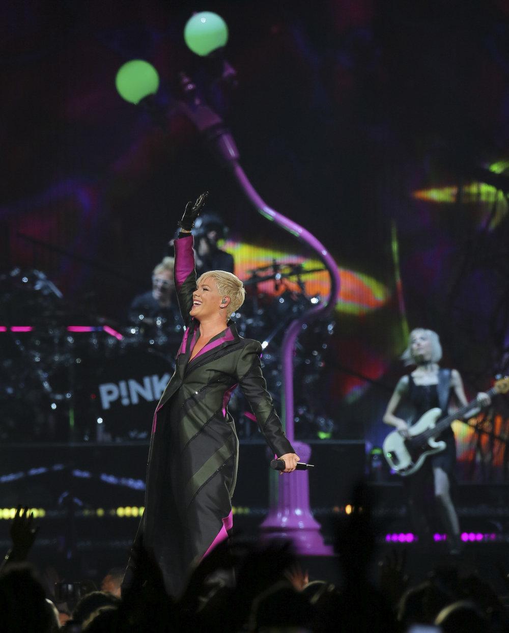 PINK LIVE FROM JPG_13.JPG