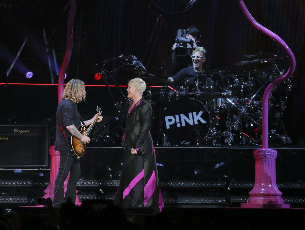 PINK LIVE FROM JPG_16.JPG