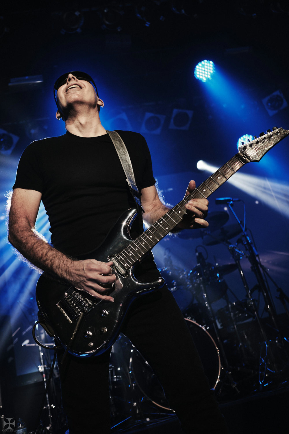 2018.12.04 Joe Satriani - DSC21265_branded.jpg