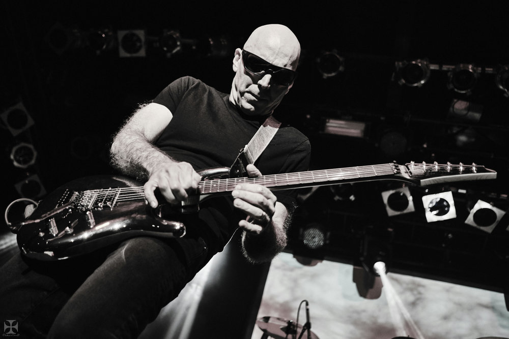 2018.12.04 Joe Satriani - DSC21332_branded.jpg