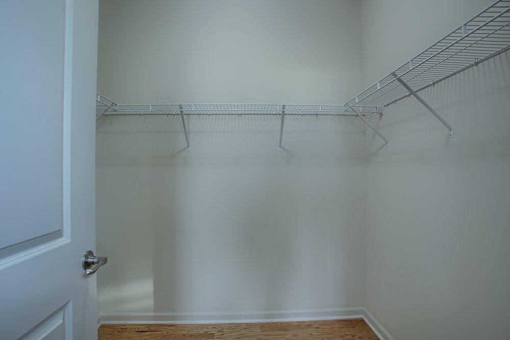 15-Master Bedroom Walkin Closet.jpg