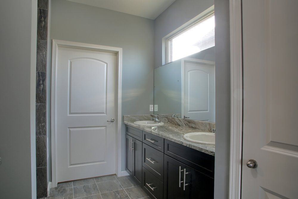 16-Master Bathroom.jpg