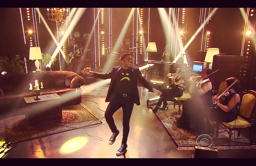 Playing live with Gallant on The Late Late Show with James Corden 11/2/16