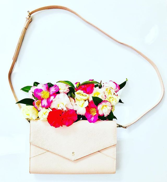 Pushing the #envelope 📩 .. this #clutch is so simple, it's an open and shut case 😉