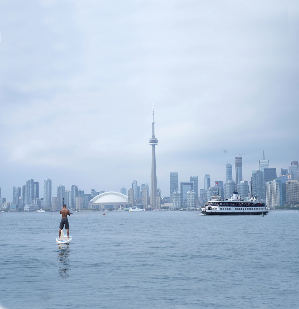 Paddle boarding in Toronto by a social media photographer